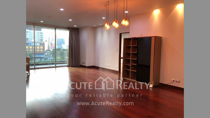 condominium-for-rent-the-park-chidlom