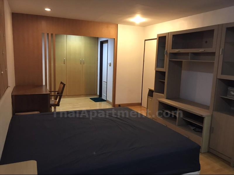 condominium-for-rent-the-royal-place-2