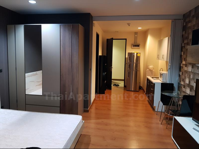 condominium-for-rent-the-address-siam