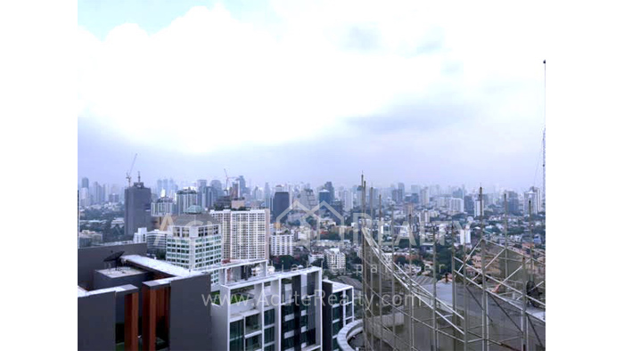 condominium-for-rent-weltz-residences-sky-walk-