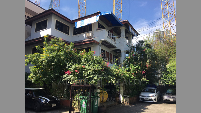 apartment-house-for-sale