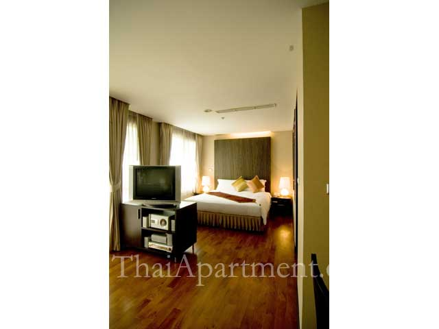 Royal Suite Residence image 13