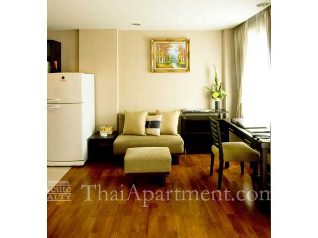 Royal Suite Residence image 14