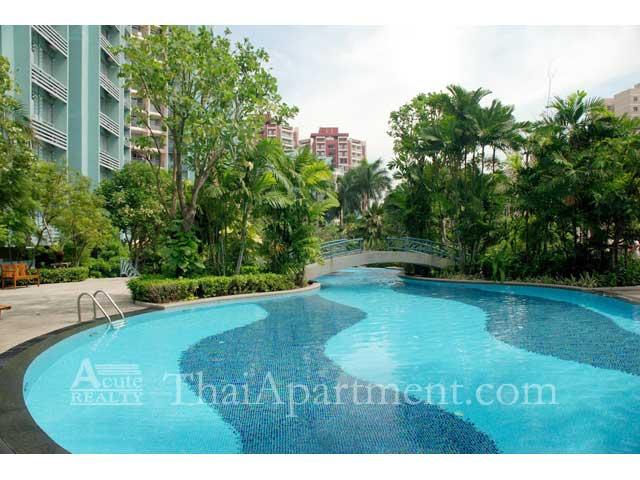 Bangkok Garden image 4