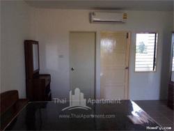 Charoentham Apartment image 4