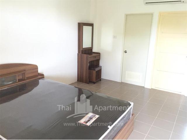 Charoentham Apartment image 1