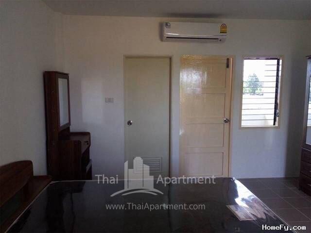 Charoentham Apartment image 8