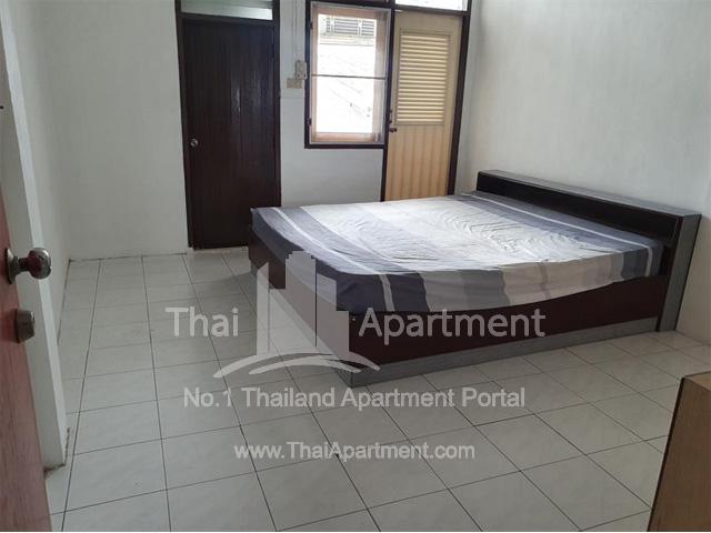 593 Apartment image 2