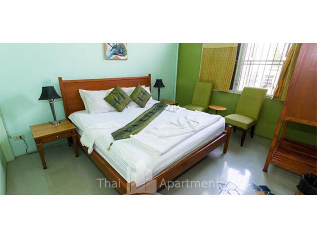 Cozy Bangkok Place image 2