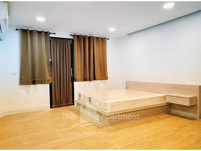 Baan Boonraksa Women Dormitory (Soi Wang lang 8) image 1