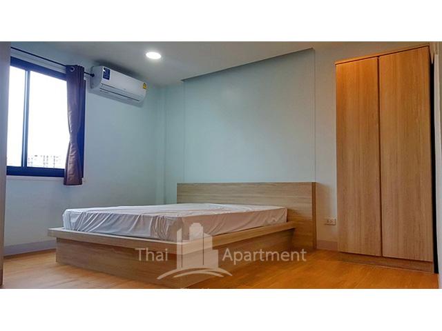 Baan Boonraksa Women Dormitory (Soi Wang lang 8) image 6