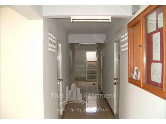 Bunluesook Apartment image 3