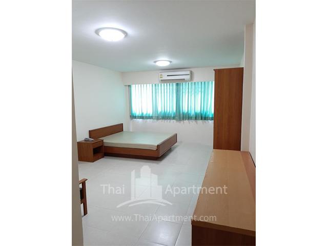 Rama4 Residence image 4