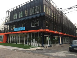 The art hostel bangkok image 1