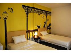 The art hostel bangkok image 2