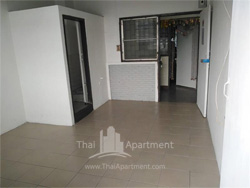 Tharakorn Apartment image 2