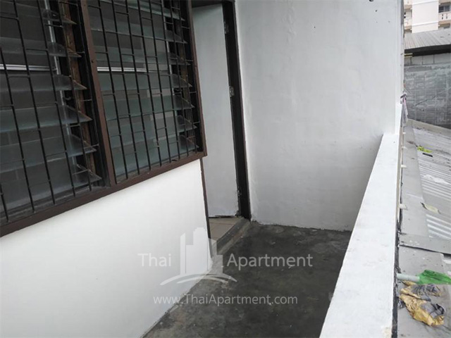 Tharakorn Apartment image 4