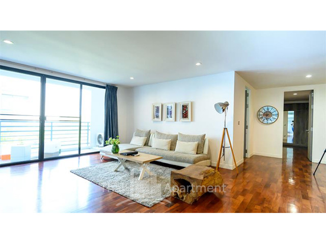 Benviar Tonson Residence image 4