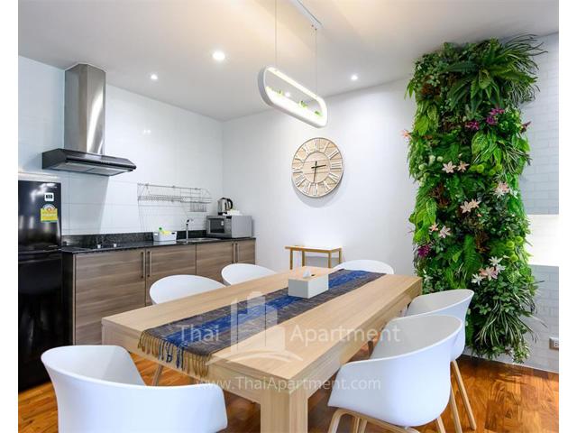 Benviar Tonson Residence image 7