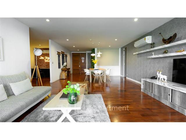 Benviar Tonson Residence image 9