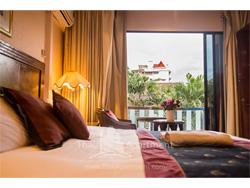 Diamond City Hotel image 4
