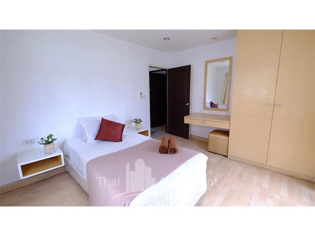 P Apartment image 3