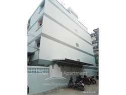 Srisamosorn Apartment image 4