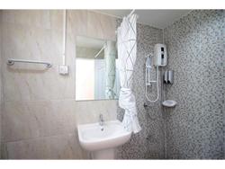 BADBED HOTEL image 4