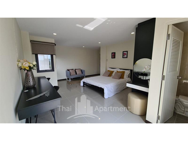 The Liang Residence image 3