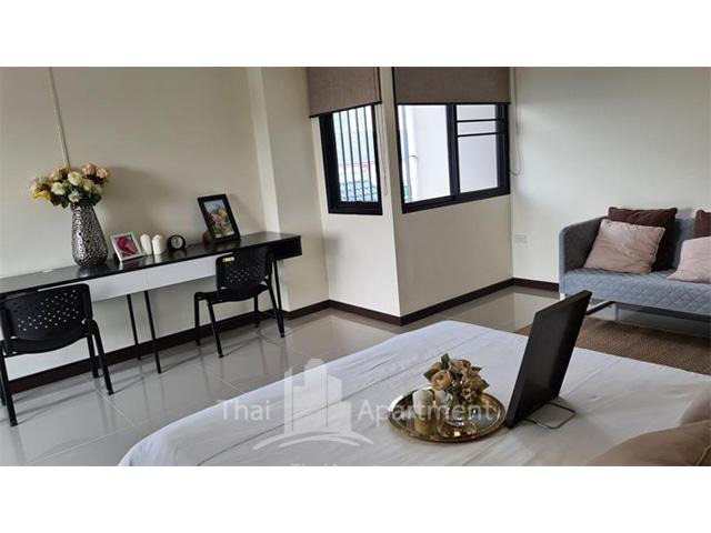 The Liang Residence image 4