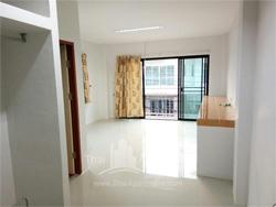 Room fer rent on dindaeng-ratchada rd. image 1