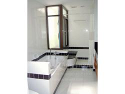 Neo Aree Apartment image 24
