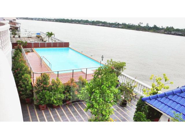 River Breeze Place image 4