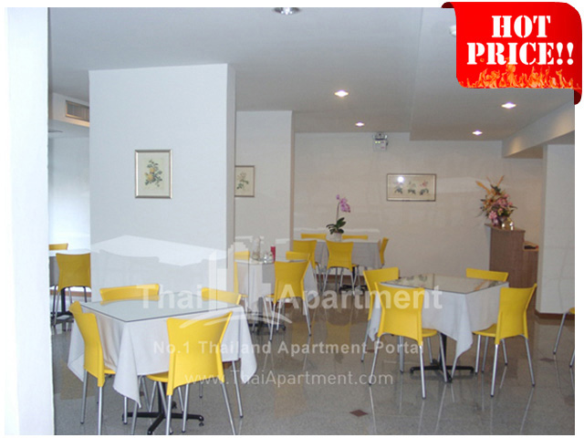 The Blooms Apartment & Hotel image 15
