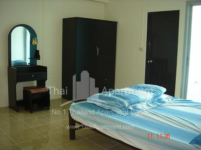 Crystal View Apartment image 3