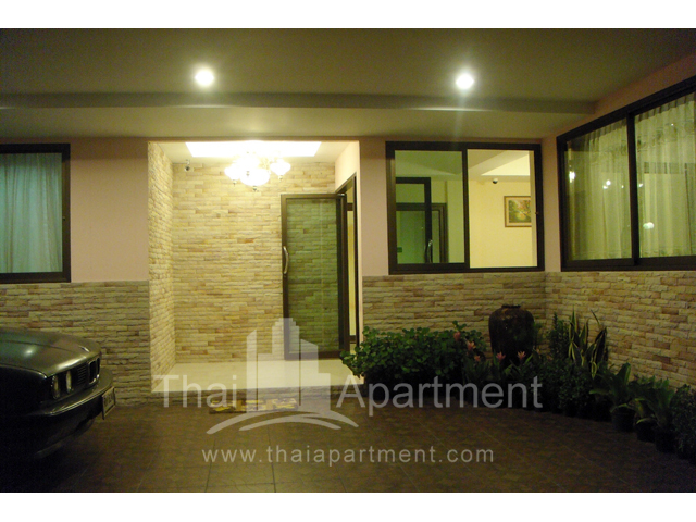 Mine Sasri Apartment image 3