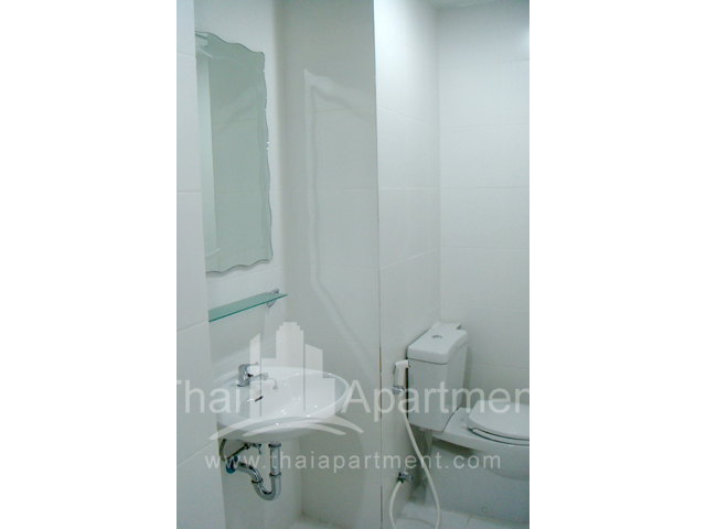 Mine Sasri Apartment image 15
