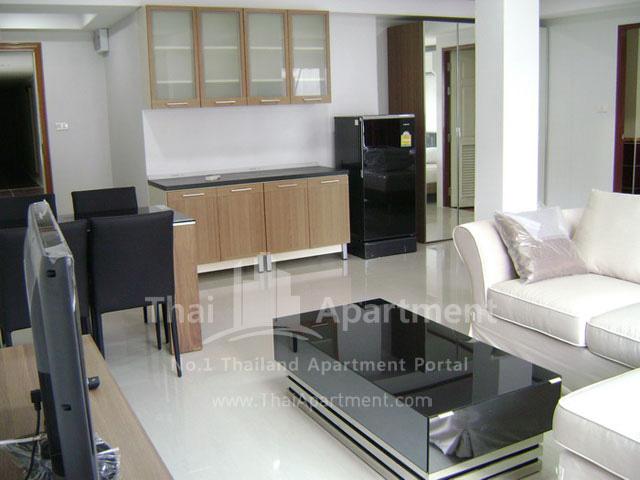 ESCAP Apartment image 8