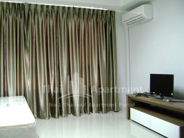 ESCAP Apartment image 14
