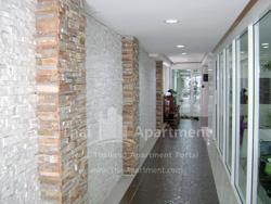 ESCAP Apartment image 5