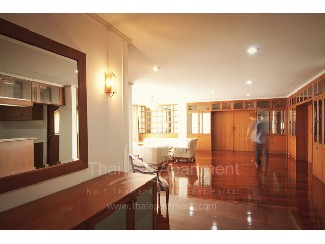 RJ Apartment (Rajanakarn Apartment) image 3