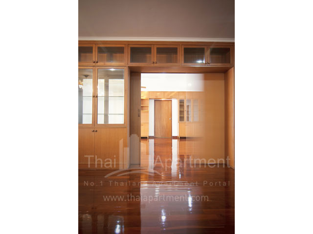 RJ Apartment (Rajanakarn Apartment) image 11