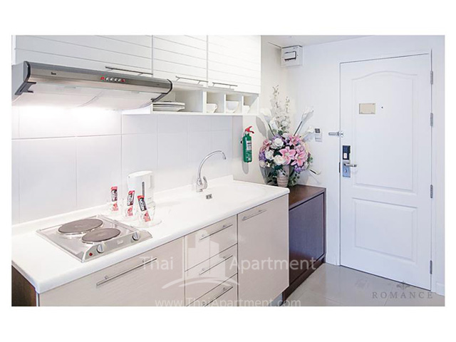 Romance Hotel Bangna image 3