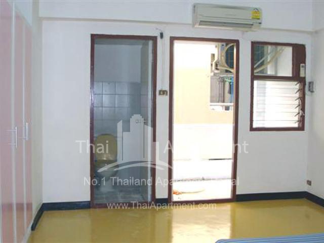 Rongmuang Apartment  image 4