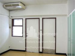 Rongmuang Apartment  image 5