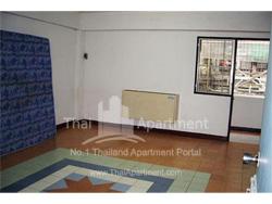C.P.N. Apartment image 3