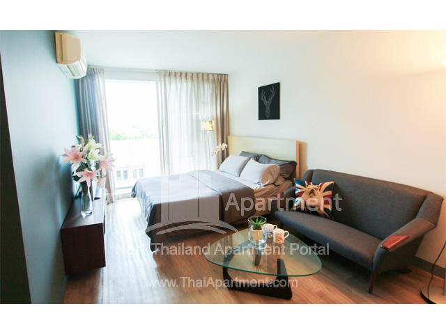 Click Denim Apartment image 2