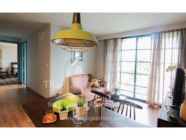 Click Denim Apartment image 5