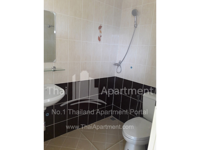 Happy House Apartment image 4