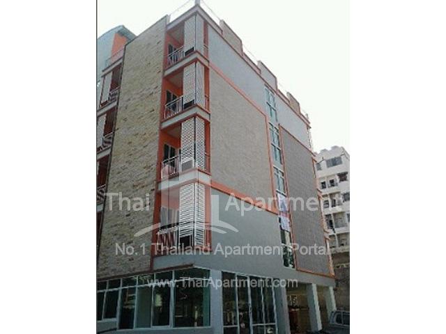CT. Residence image 4